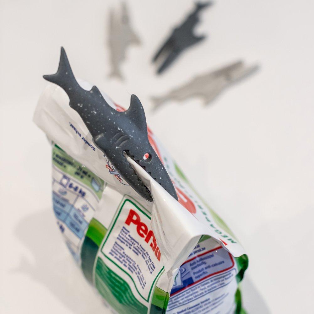SHARKY Clip