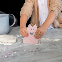 HANS Dough Scraper